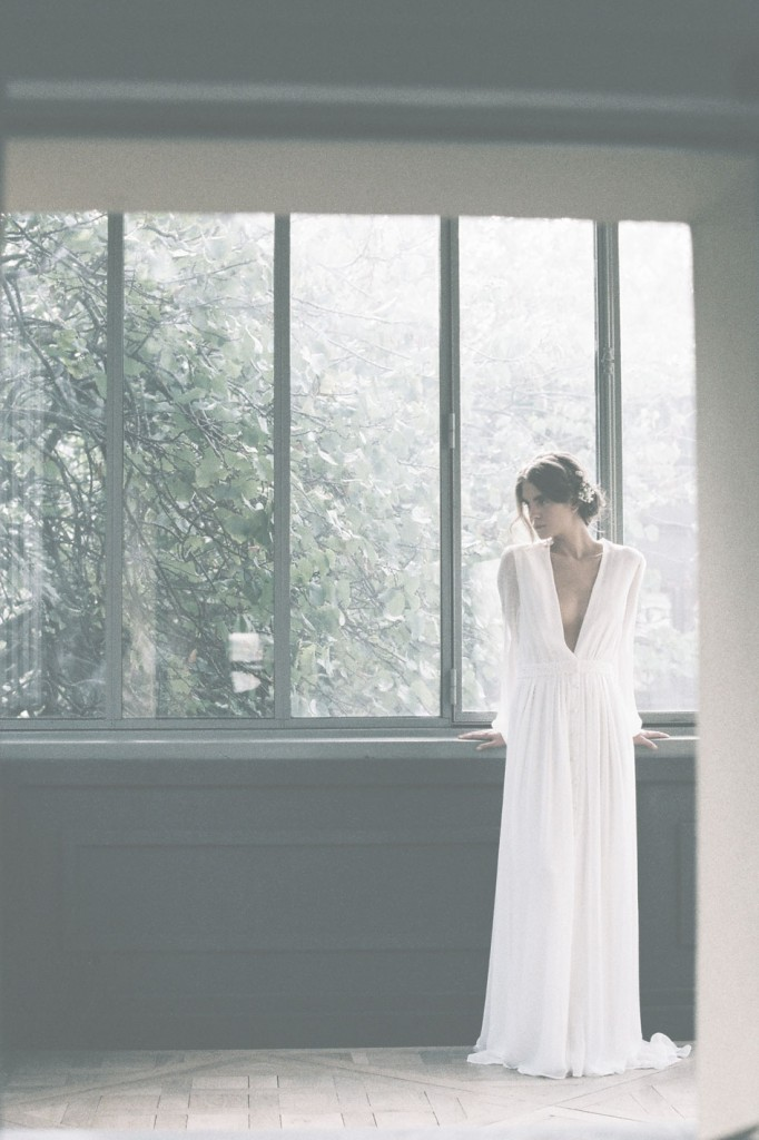 Donatelle Godart 2016 collection of wedding dresses on the Danish wedding journal, a couple.