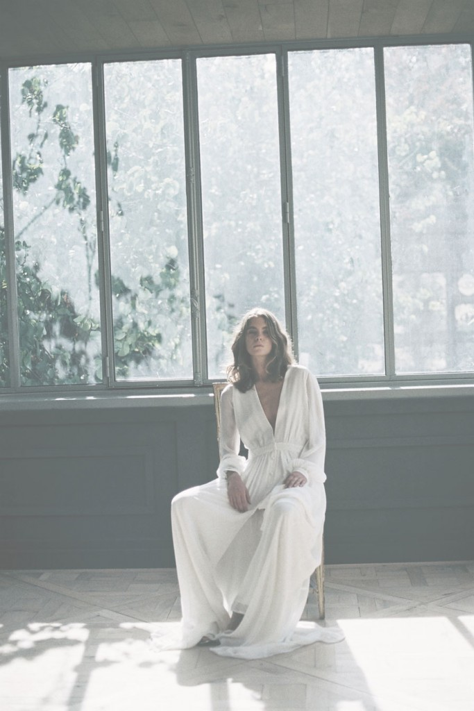 Dontelle Godart 2016 collection of wedding dresses on the Danish wedding journal, a couple.