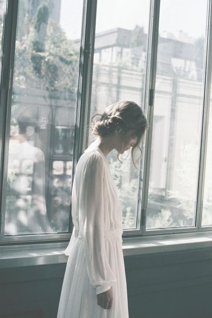 Donatelle Godart 2016 collection of wedding dresses on the Danish wedding journal, a couple. Bryllup