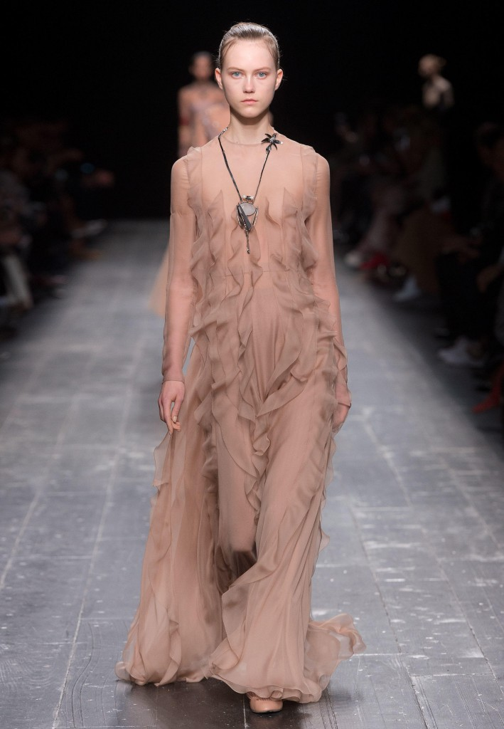 Valentino_Fall_Winter_a_couple_wedding_journal_10