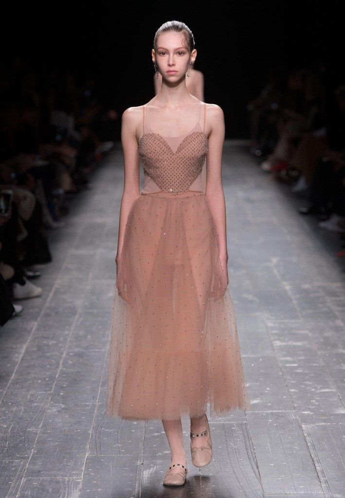 Valentino_Fall_Winter_a_couple_wedding_journal_3