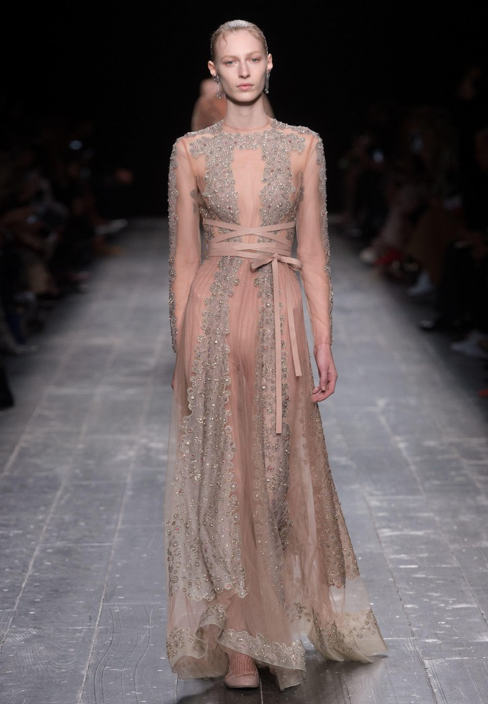 Valentino_Fall_Winter_a_couple_wedding_journal_7