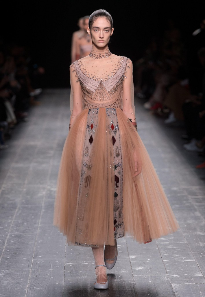 Valentino_Fall_Winter_a_couple_wedding_journal_9