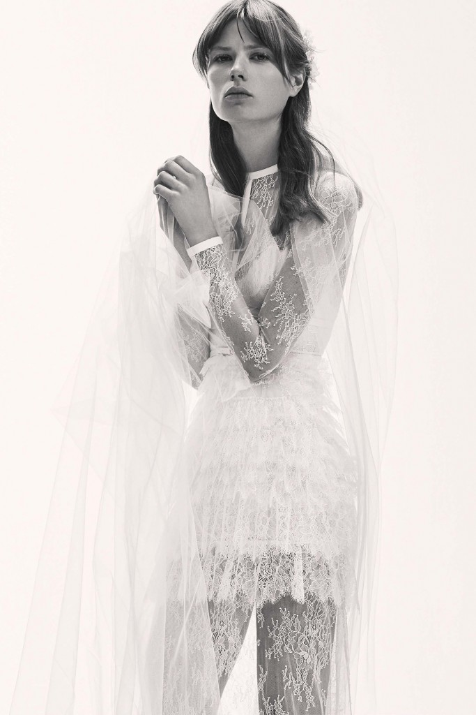 elie_saab_bridal_2017_a_couple_wedding_journal_16