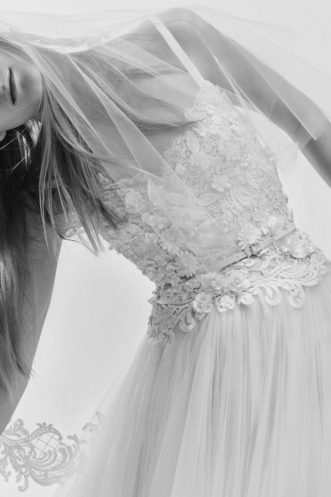 elie_saab_bridal_2017_a_couple_wedding_journal_18